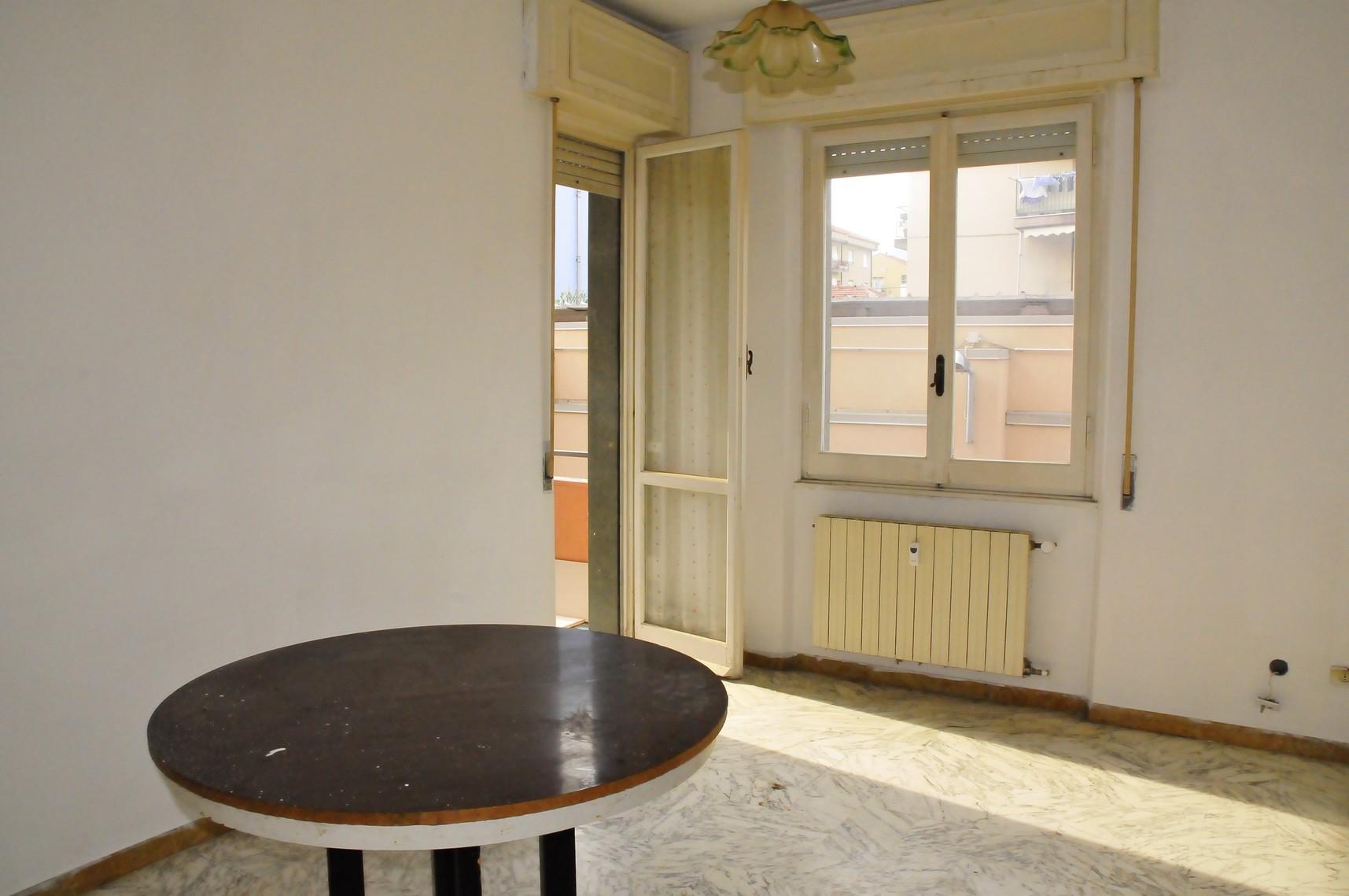 vendita appartamento loano zona poeti  180000 euro  3 locali  50 mq