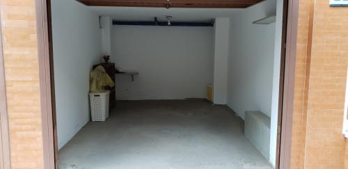 Box o garage in Affitto a Loano