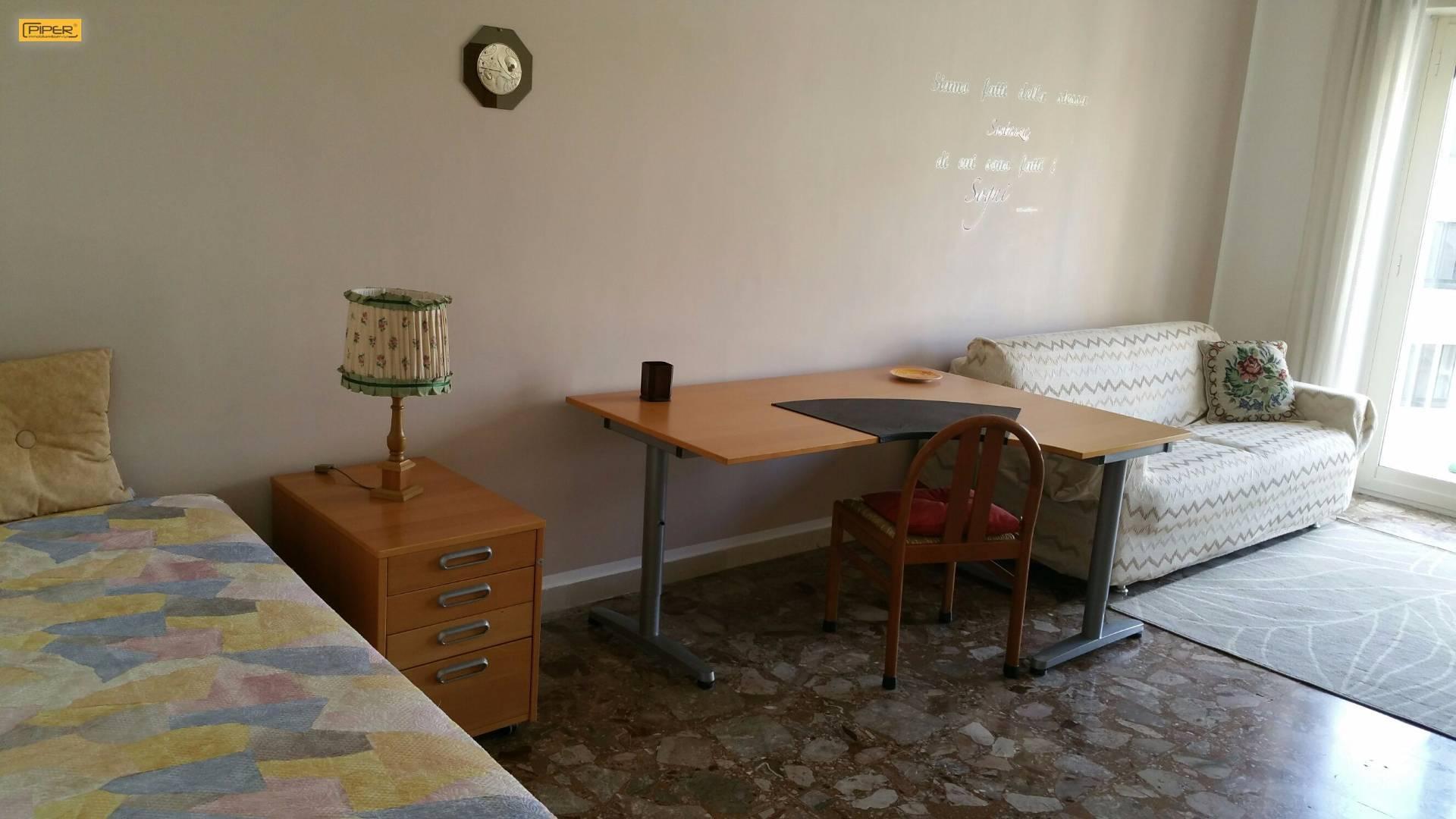 Affitto napoli appartamento arredato 18 mq via arenella for Appartamento arredato napoli
