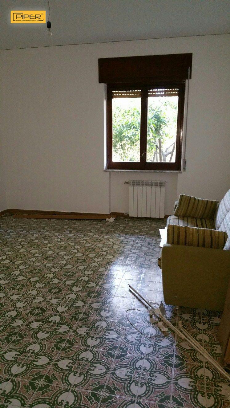 Appartamento in affitto a Napoli, 5 locali, prezzo € 700 | Cambio Casa.it