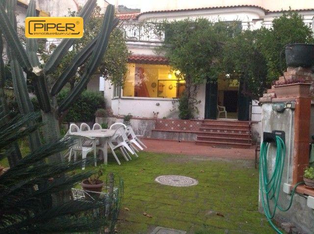Villa in affitto a Napoli, 3 locali, zona Zona: 9 . Soccavo, Pianura, prezzo € 1.200 | Cambio Casa.it
