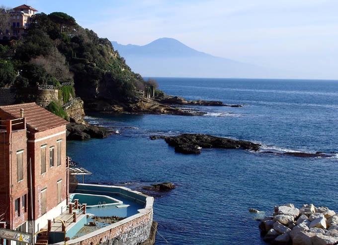 Villa in vendita a Napoli, 10 locali, zona Zona: 8 . Piscinola, Chiaiano, Scampia, Trattative riservate | Cambio Casa.it