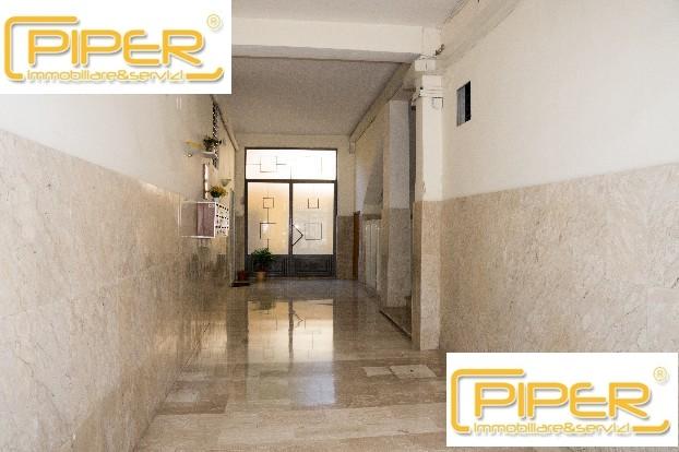 Appartamento in vendita a Napoli, 4 locali, zona Località: Capodimonte, prezzo € 149.000 | Cambio Casa.it