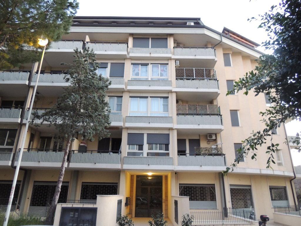 Attico / Mansarda in vendita a Gravina di Catania, 4 locali, zona Località: SanPaolo, prezzo € 175.000 | Cambio Casa.it