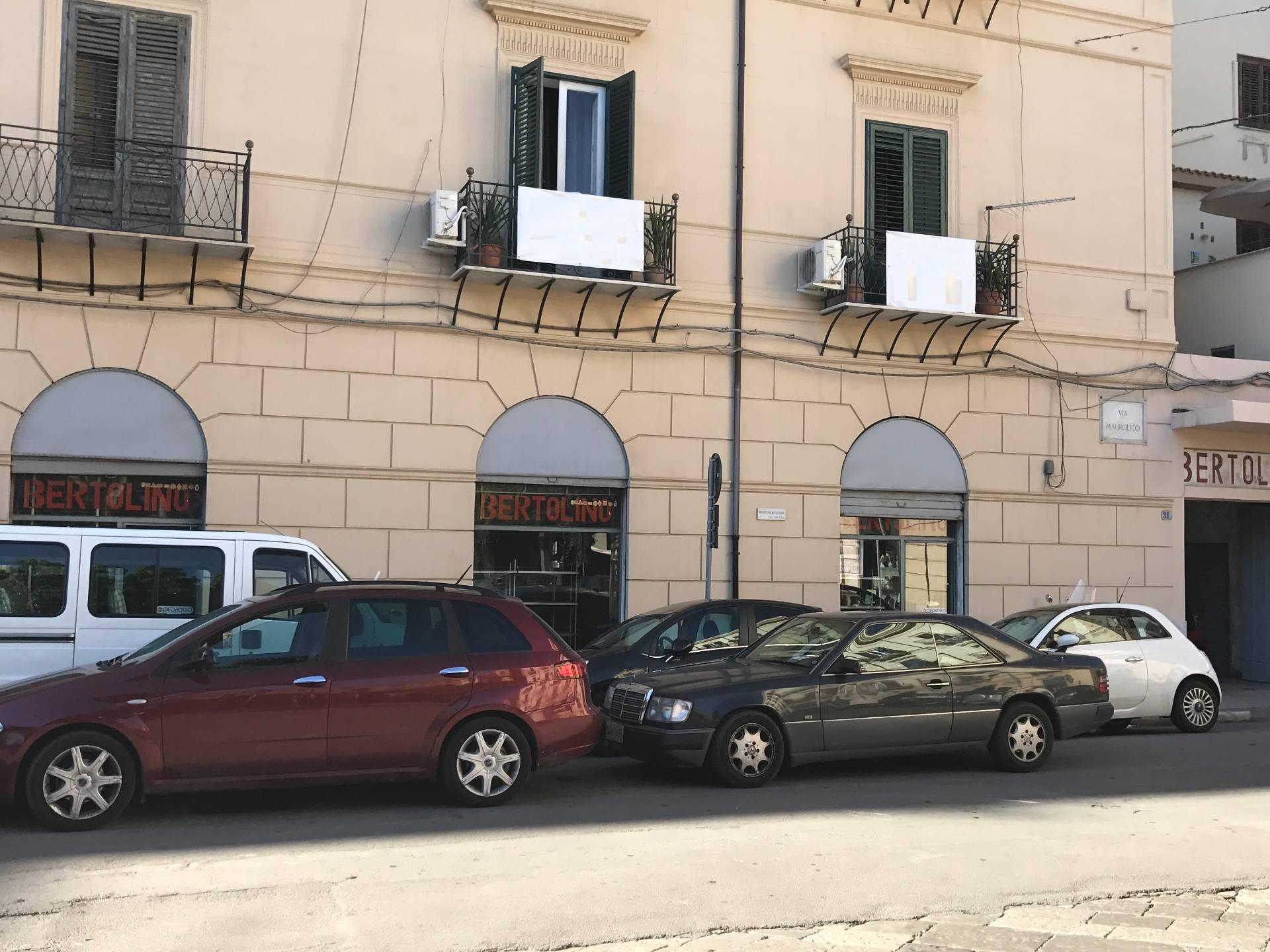 Negozio / Locale in vendita a Palermo, 9999 locali, zona Località: Stazione, prezzo € 425.000 | Cambio Casa.it