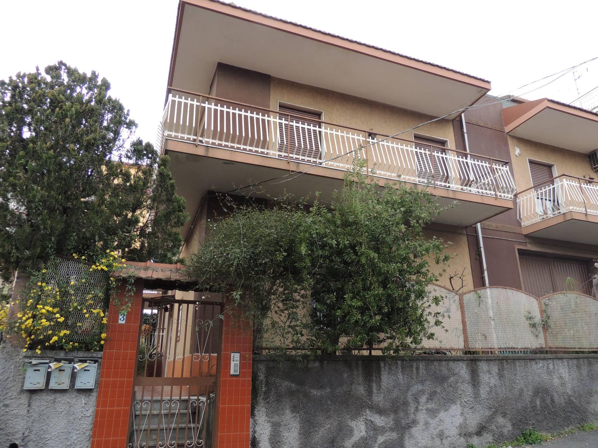 Appartamento in affitto a Gravina di Catania, 3 locali, zona Località: Fasano, prezzo € 420 | Cambio Casa.it