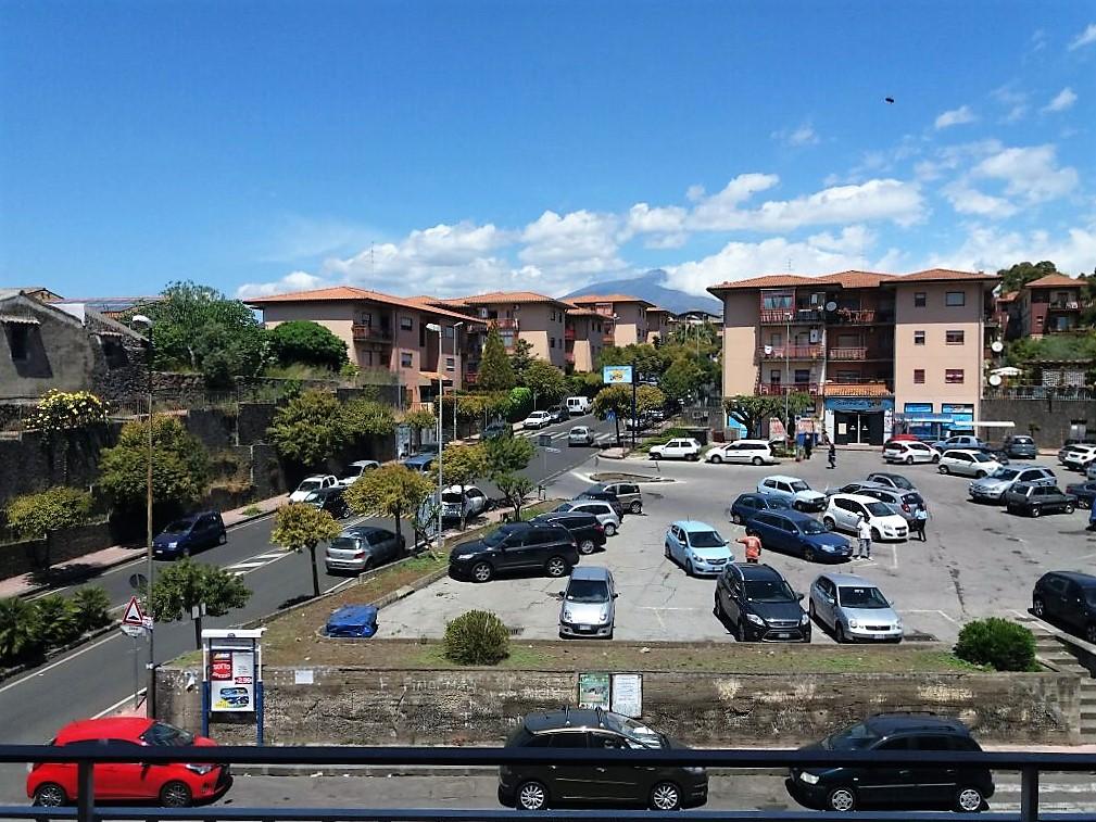 Appartamento in affitto a Mascalucia, 5 locali, zona Località: zonaCentro(C.sosanVito..., prezzo € 700 | Cambio Casa.it