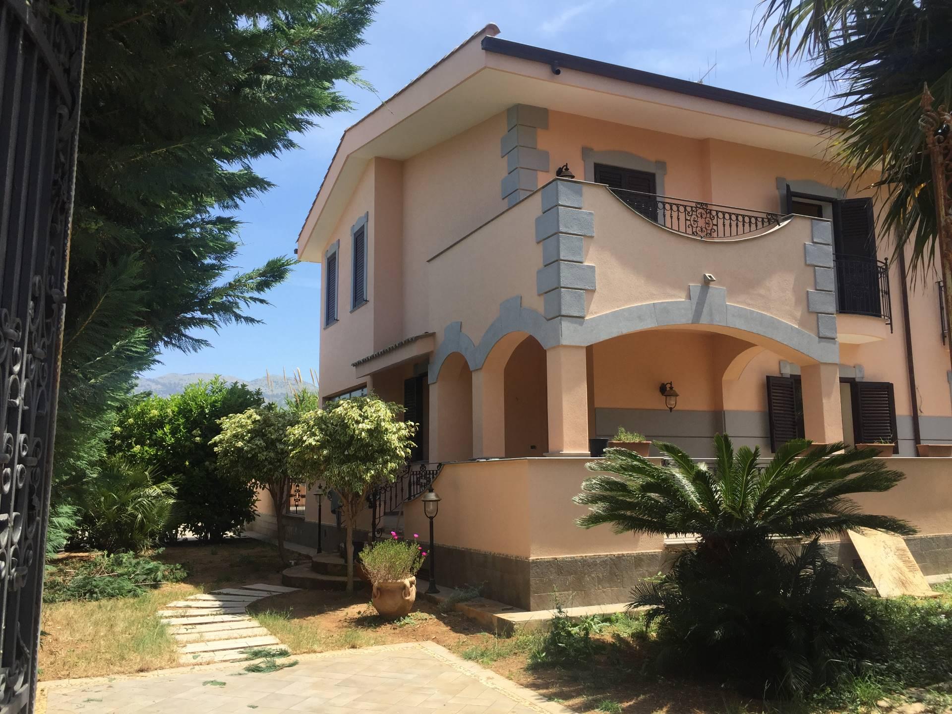 Villa in affitto a Carini, 5 locali, zona Località: J.Walker, prezzo € 900 | Cambio Casa.it