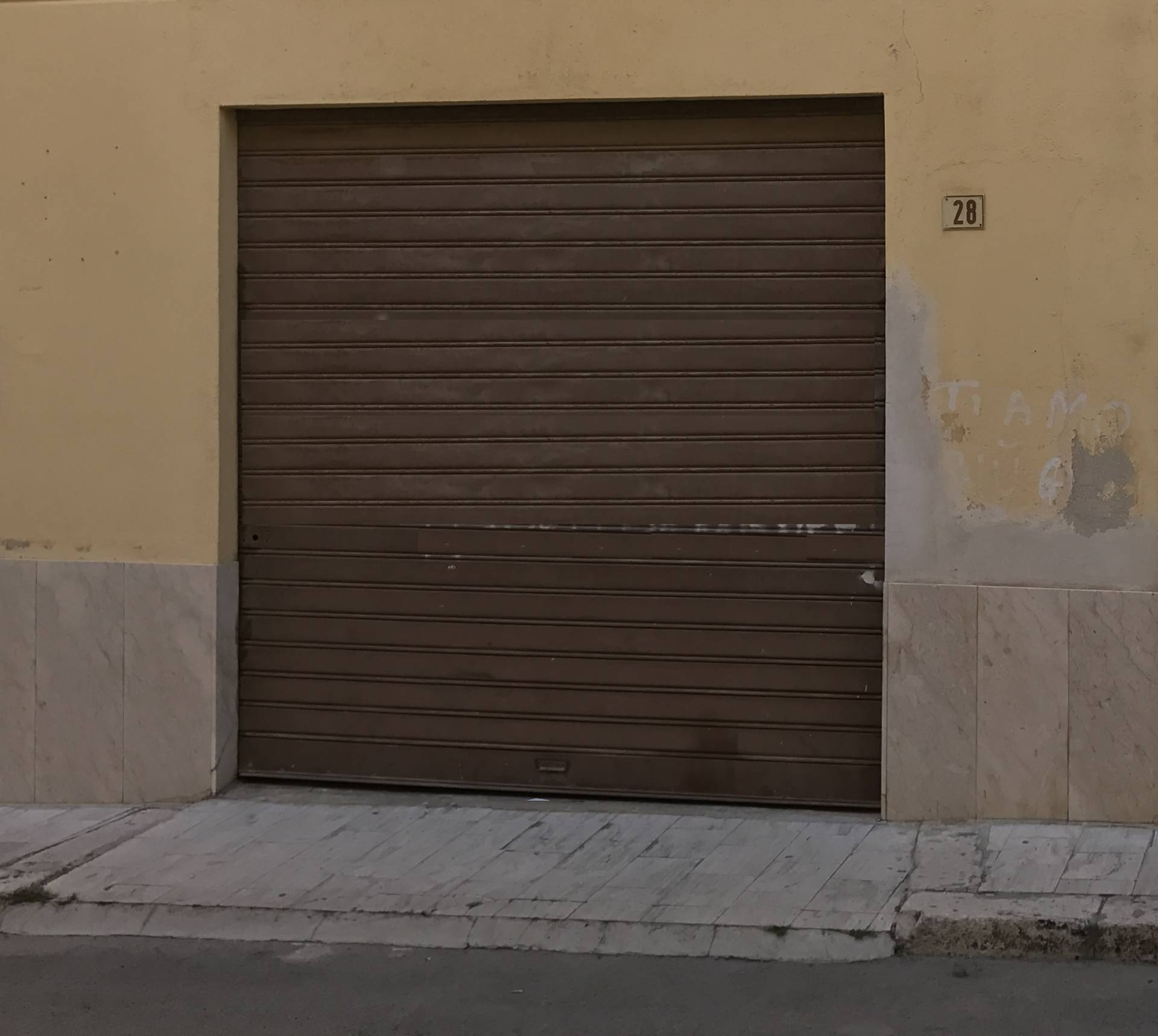 Magazzino in vendita a Balestrate, 9999 locali, prezzo € 38.000 | Cambio Casa.it