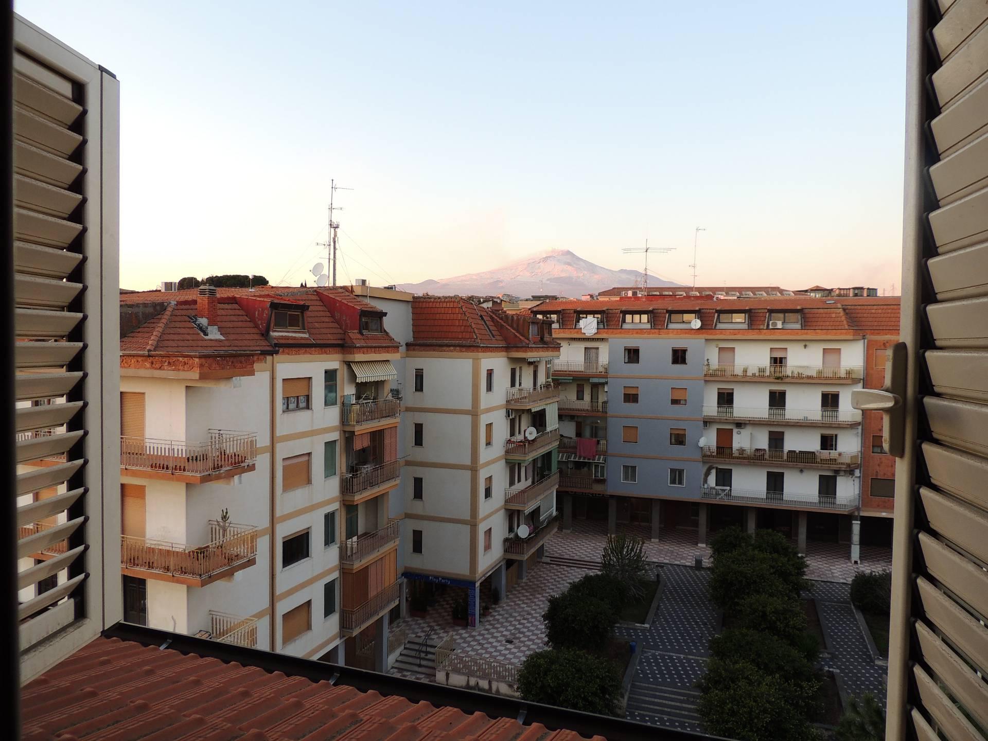 Attico / Mansarda in vendita a Gravina di Catania, 3 locali, zona Località: SanPaolo, prezzo € 155.000   Cambio Casa.it