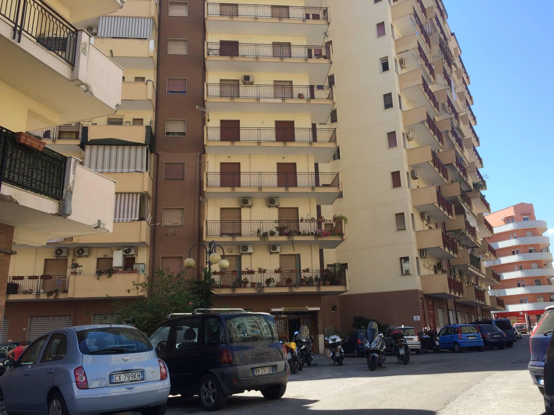 Appartamento in affitto a Palermo, 5 locali, zona Zona: Noce, prezzo € 600 | Cambio Casa.it